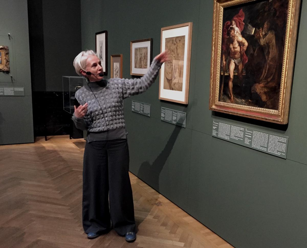 """Gerlinde Gruber, Kuratorin der Ausstellung """"Rubens - Kraft der Verwandlung"""" erklärt uns wichtige Zusammenhänge"""
