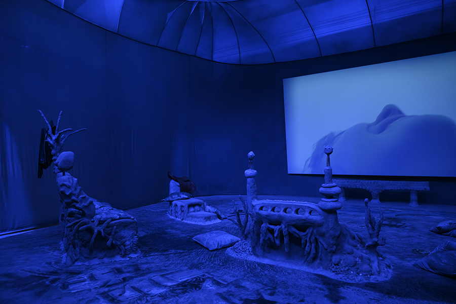 Laure Prouvost, Deep See Blue Surrounding You, French Pavilion at the 58th Venice Biennale, 2019. © Laure Prouvost; Courtesy Lisson Gallery, carlier | gebauer, and Galerie Nathalie Obadia. Photography by Cristiano Corte